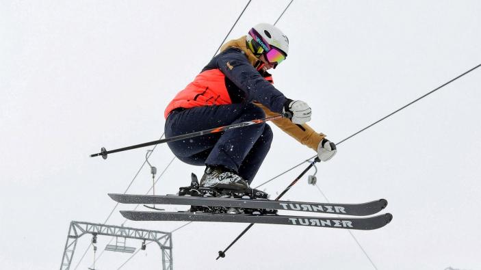 Turner Dutch Ski