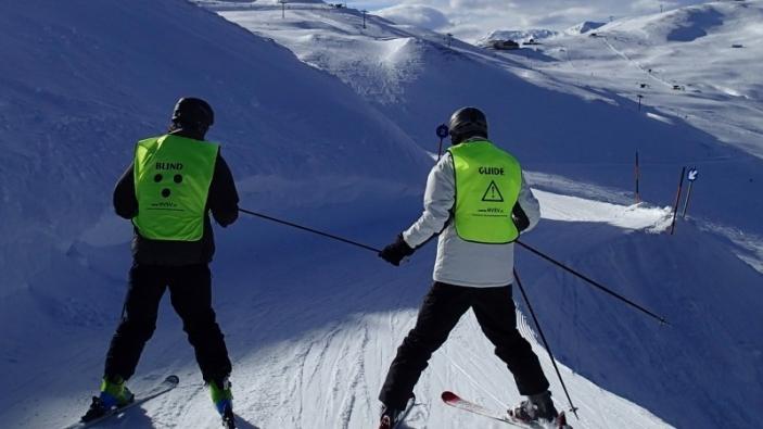 Wintersport met een visuele beperking