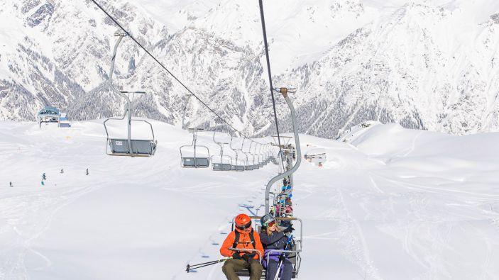 Wintersport in Wald