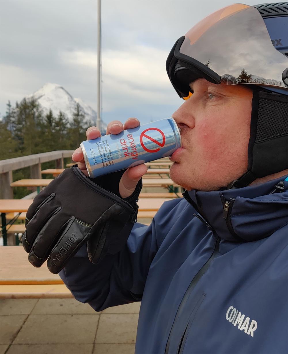 Drinken met 10 peaks handschoenen