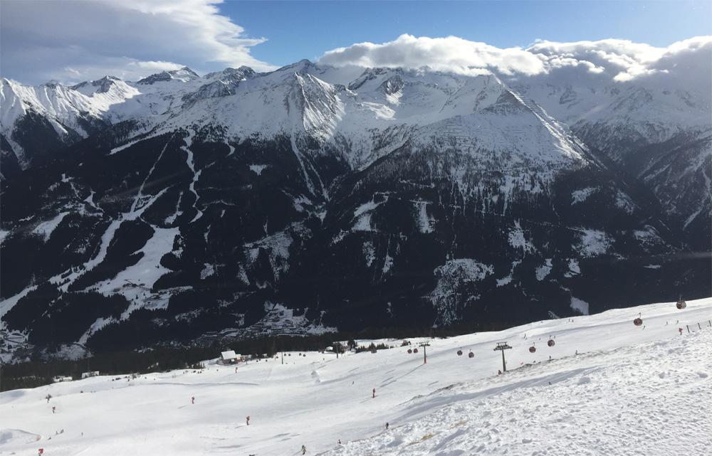 Uitzicht op skigebied Graukogel vanaf piste B16