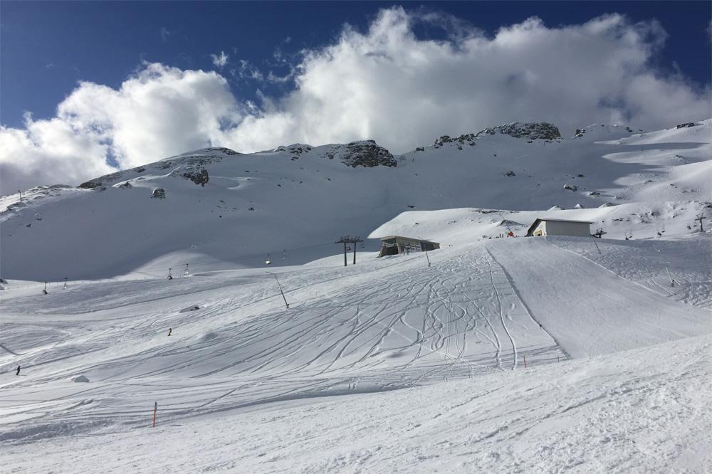 Weitmoserbahn, dalstation van de Doppelsesselbahn Hohe Scharte in het skigebied van Schlossalm